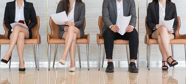Dân mạng tranh cãi gay gắt vì nhà tuyển dụng móc mỉa ảnh hồ sơ và ngoài đời thực của ứng viên - Ảnh 2.