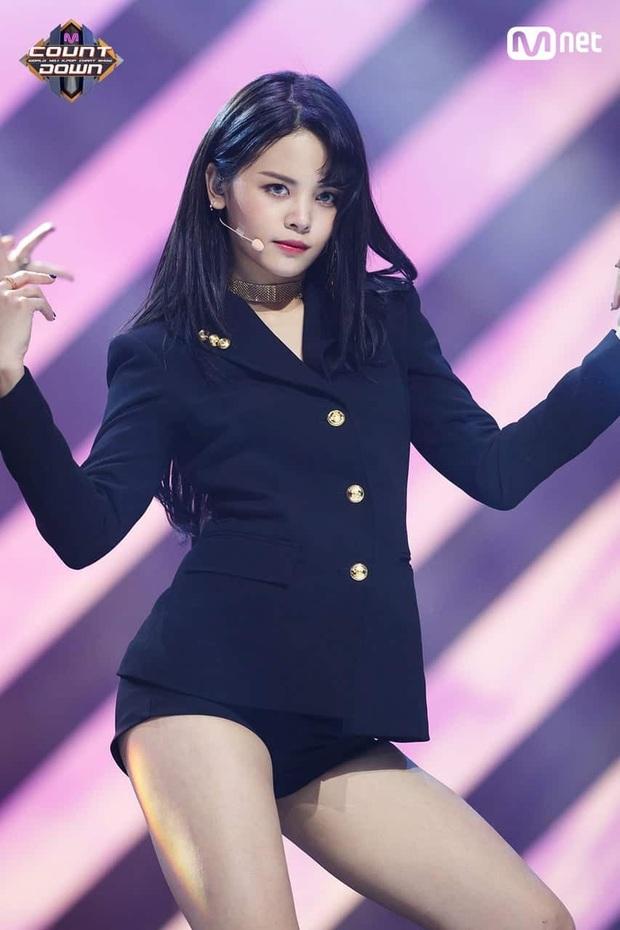 """Hội idol Kpop người Thái Lan ai cũng tài năng: Lisa và mỹ nam NCT là """"cỗ máy nhảy"""" hàng đầu, nam thần hoạt động 12 năm còn đa tài hiếm có - Ảnh 19."""