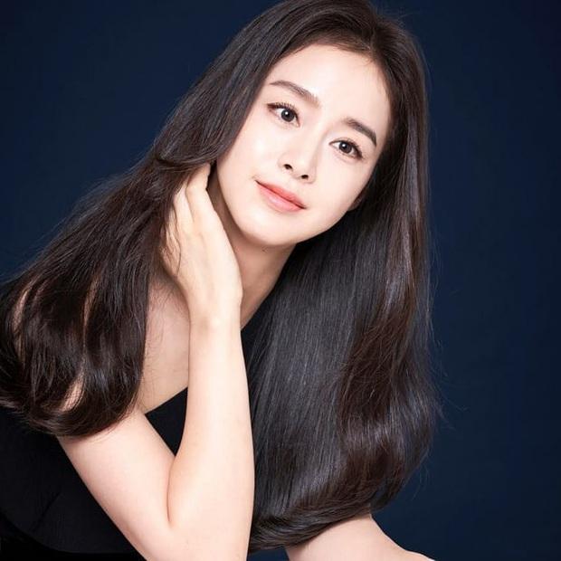 Một mình Kim Tae Hee đứng giữa 3 tin chấn động Kbiz trên top Naver, tất cả chỉ nhờ... 4 bức ảnh đẹp xuất thần - Ảnh 4.