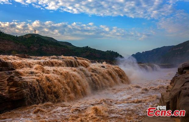 Lũ lụt ở Trung Quốc ngày càng đáng sợ: Hơn 12 triệu người dân phải điêu đứng, thiệt hại lên đến hơn 80 nghìn tỷ đồng - Ảnh 15.