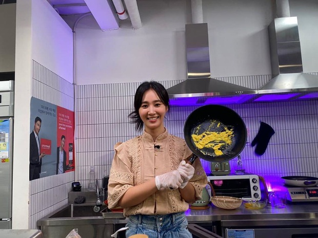 Trổ tài làm trứng rán cần mỡ, Yuri & Sooyoung (SNSD) khiến fan không nhịn được cười khi xem thành quả - Ảnh 4.