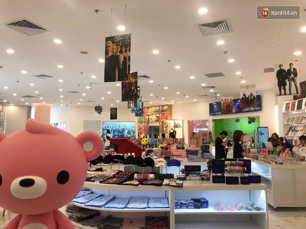CỰC HOT: SMTOWN Cafe chính thức về Việt Nam, không gian sống ảo không chỗ chê, idol goods nhiều lựa mỏi cả tay - Ảnh 4.