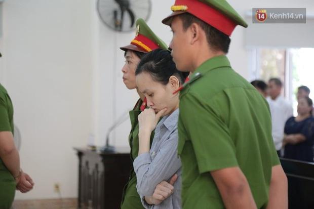 Tuyên án vụ thi thể đổ bê tông ở Bình Dương: Tử hình nữ chủ mưu, 3 bị cáo khác nhận tổng cộng 54 năm tù - Ảnh 12.