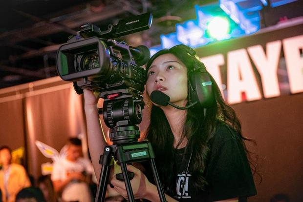 Đứng hình trước nhan sắc xinh đẹp của nữ quay phim khu vực Đài Bắc Trung Hoa tại APL 2020 - Ảnh 2.