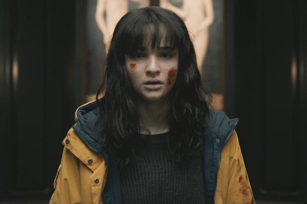 Dark 3: Tham vọng về cái kết siêu xoắn não nhưng từ kịch bản đến diễn xuất đều sai sai - Ảnh 8.