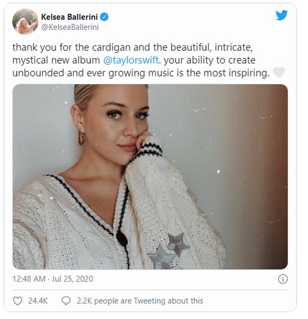 Taylor Swift tặng áo cardigan cho dàn sao Hollywood để quảng bá MV mới nhưng ý nghĩa đằng sau mới thực sự ấm lòng - Ảnh 7.