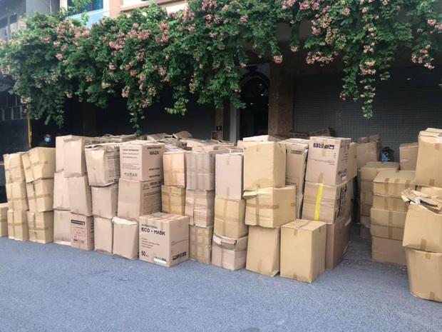 Hà Nội: Thu giữ 800.000 khẩu trang không rõ nguồn gốc - Ảnh 2.