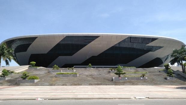 Đà Nẵng trưng dụng Cung thể thao Tiên Sơn làm Bệnh viện dã chiến để phòng chống dịch Covid-19 - Ảnh 1.