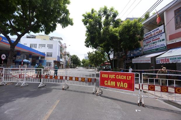Lịch trình của 8 ca Covid-19 mới tại Đà Nẵng: Bệnh nhân 456 từng dự đám tang và đám giỗ, bệnh nhân 458 đi chợ và phụ em bán trà sữa - Ảnh 1.