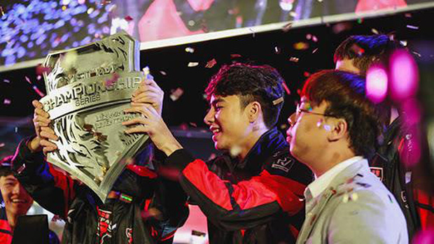 Hai đại gia ngành xây dựng và thủy sản đổ tiền vào game, eSports Việt hứa hẹn nổi lửa - Ảnh 1.