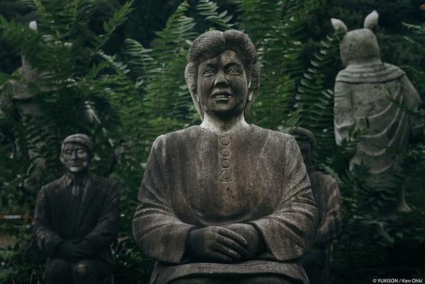 Vị doanh nhân chi gần 2.000 tỷ đồng mở công viên ngàn tượng nhưng chẳng ai dám bén mảng vì nỗi ám ảnh những bức tượng biết đi - Ảnh 7.