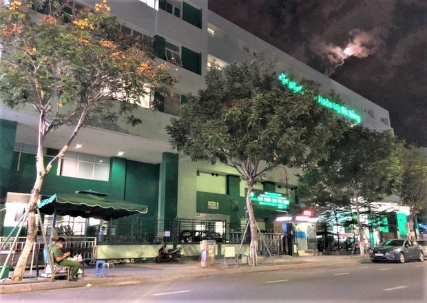 Bệnh viện Hoàn Mỹ Đà Nẵng bị phong tỏa sau khi có ca người Mỹ nhiễm Covid-19 - Ảnh 1.
