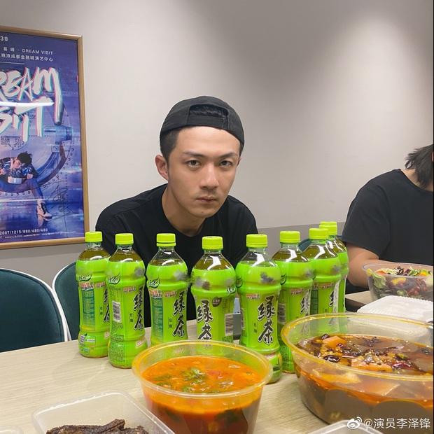 Bi hài chuyện anh chồng lăng nhăng của Cố Giai (30 Chưa Phải Là Hết) được fan tặng trà xanh dằn mặt - Ảnh 6.
