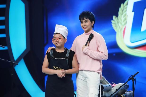 Trấn Thành, Hari Won, Ngô Kiến Huy tài trợ học bổng cho cô bé bị cha bỏ rơi, mưu sinh với mẹ và bà bị bệnh nặng - Ảnh 6.