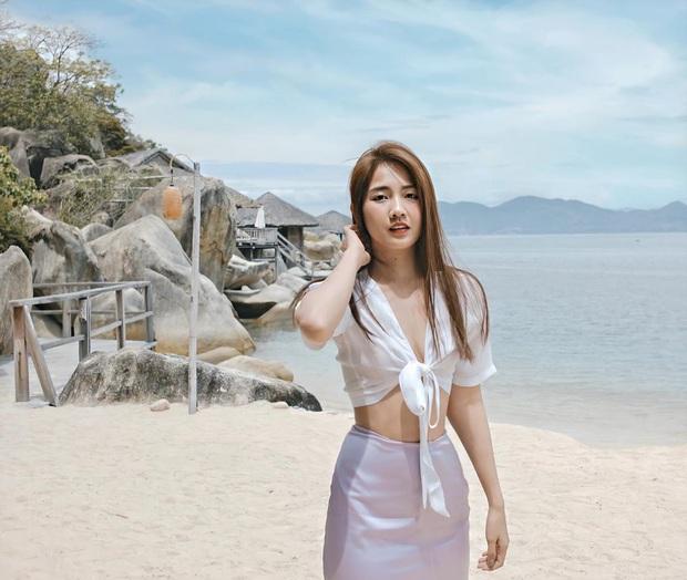 Váy đi biển của sao Việt xinh ngất ngây, chị em diện theo là có style đẹp tức thì - Ảnh 13.
