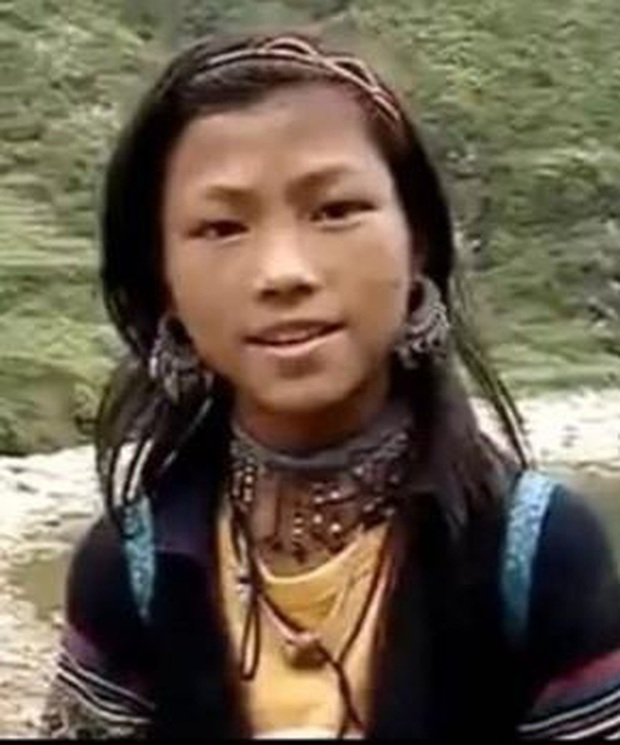 Cô bé HMông nói tiếng Anh như gió năm ấy: Đổi đời nhờ 1 clip gây bão mạng, cuộc sống hiện tại là niềm mơ ước của nhiều người - Ảnh 1.