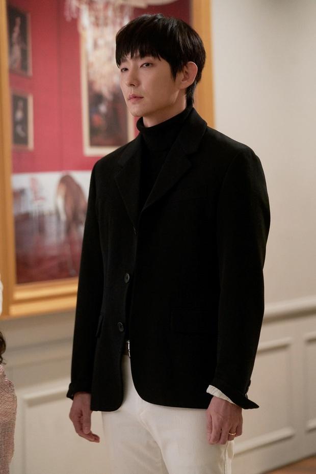 Review Flower Of Evil: Nội dung hấp dẫn nhưng chưa đủ ấn tượng, diễn xuất của Lee Jun Ki cứu cả bộ phim - Ảnh 5.