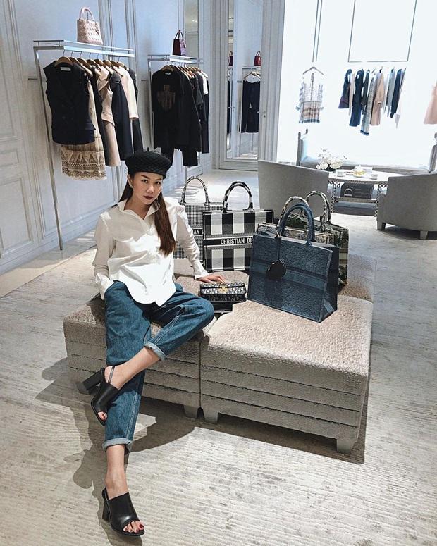 Diện quần jeans, chị em hãy học sao Việt mix với 4 kiểu giày sau là chuẩn chỉnh, còn kéo chân dài tít tắp - Ảnh 14.