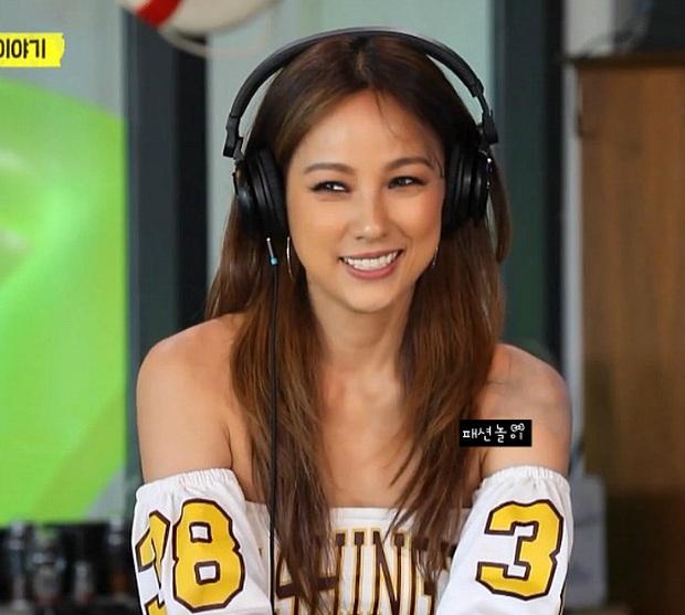 Đã 41 tuổi nhưng chị đại Lee Hyori vẫn diện ngon ơ loạt outfit xì tin chơi bời, gái đôi mươi chưa chắc đã đuổi kịp - Ảnh 7.