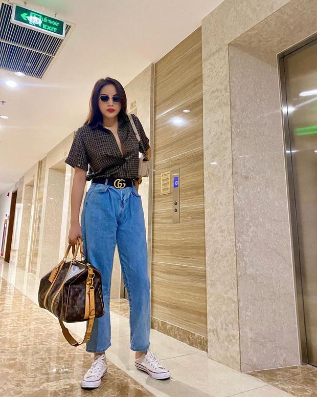 Diện quần jeans, chị em hãy học sao Việt mix với 4 kiểu giày sau là chuẩn chỉnh, còn kéo chân dài tít tắp - Ảnh 5.