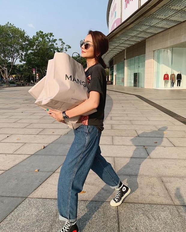 Diện quần jeans, chị em hãy học sao Việt mix với 4 kiểu giày sau là chuẩn chỉnh, còn kéo chân dài tít tắp - Ảnh 8.
