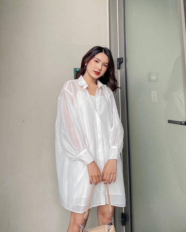 Cùng là sơ mi trắng: Jennie kéo xuống vai, Jisoo thả khuy dưới, cách nào cũng xinh nhìn chỉ muốn diện theo ngay - Ảnh 13.