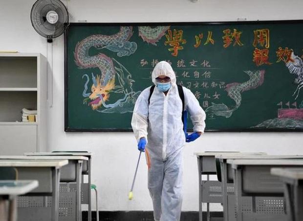 Thở bình oxy, uống thuốc hoãn kinh nguyệt: Kỳ thi đại học khốc liệt bậc nhất sắp diễn ra giữa mùa dịch - Ảnh 1.