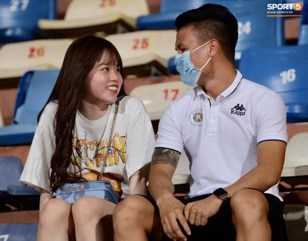 Huỳnh Anh theo dõi lại Instagram Quang Hải, tiếp tục chứng minh không bỏ rơi bạn trai sau ồn ào - Ảnh 3.