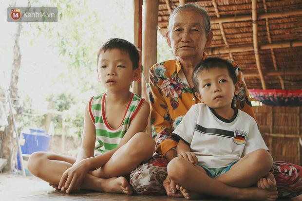Bố mất, mẹ lặng lẽ bỏ đi khiến 2 đứa trẻ côi cút, đói ăn bên bà nội già yếu: Sao con không có bố mẹ như mấy bạn vậy nội - Ảnh 5.