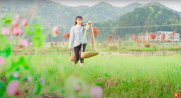 """Ngay tại Trung Quốc đã có loạt vlogger phong cách na ná Lý Tử Thất, có người còn gần như """"copy"""" nguyên si - Ảnh 32."""