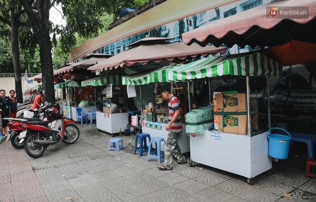 Phố hàng rong đầu tiên ở Sài Gòn hiện giờ ra sao sau gần 3 năm hoạt động? - Ảnh 8.