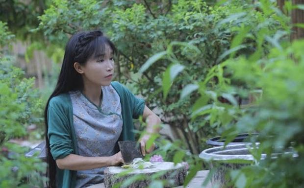 """Ngay tại Trung Quốc đã có loạt vlogger phong cách na ná Lý Tử Thất, có người còn gần như """"copy"""" nguyên si - Ảnh 2."""