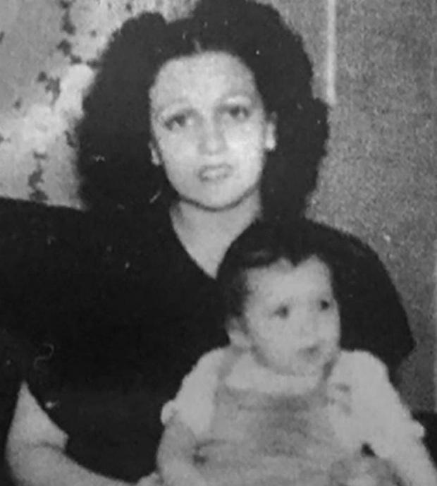 Chịu tiếng oan bỏ chồng con chạy theo người đàn ông khác, đến 50 năm sau, người phụ nữ mới được tìm thấy ngay tại nhà mình - Ảnh 1.