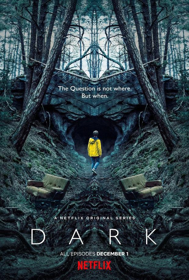 Dark 3: Tham vọng về cái kết siêu xoắn não nhưng từ kịch bản đến diễn xuất đều sai sai - Ảnh 1.