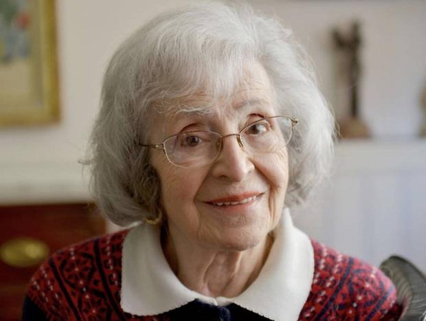 Chịu tiếng oan bỏ chồng con chạy theo người đàn ông khác, đến 50 năm sau, người phụ nữ mới được tìm thấy ngay tại nhà mình - Ảnh 4.
