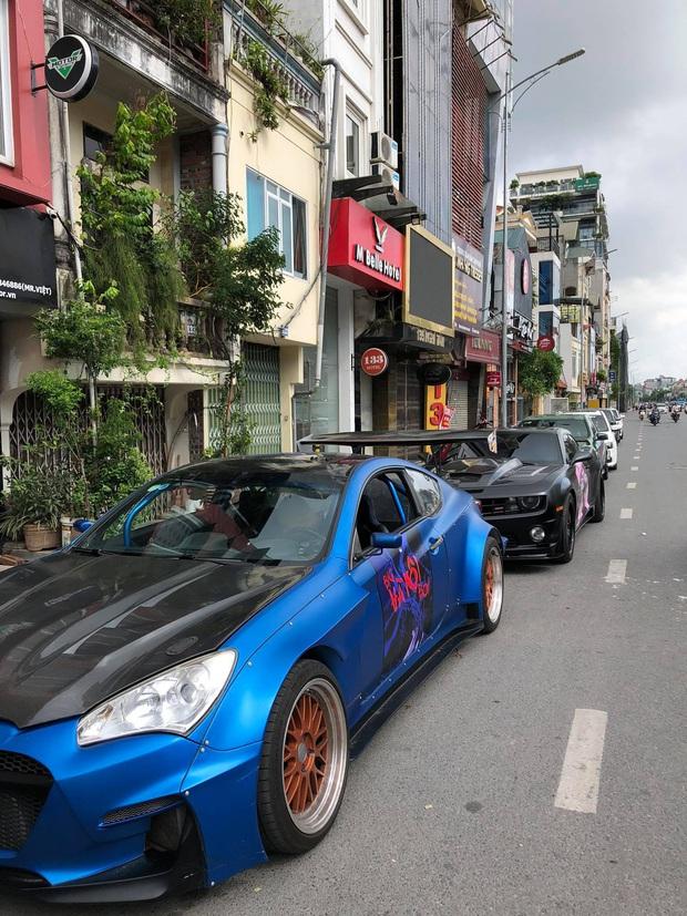 Fan Binz chơi lớn quá: Phủ kín poster lên hàng loạt siêu xe lượn quanh Hà Nội hâm nóng trước thềm ra MV - Ảnh 13.