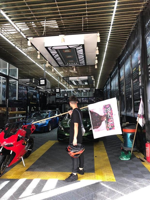 Fan Binz chơi lớn quá: Phủ kín poster lên hàng loạt siêu xe lượn quanh Hà Nội hâm nóng trước thềm ra MV - Ảnh 6.