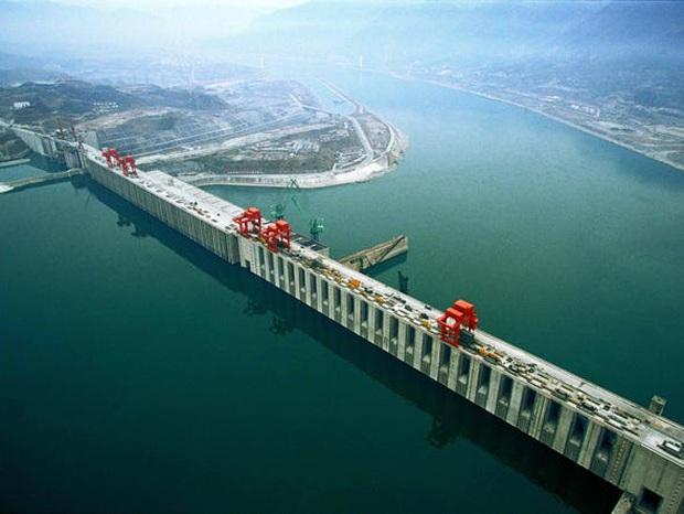 Bên trong đập Tam Hiệp - con đập thủy điện lớn nhất thế giới đang có nguy cơ gây đại thảm họa cho người Trung Quốc có gì? - Ảnh 5.