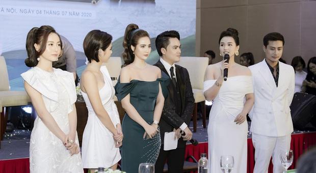 Dàn sao đến chúc mừng Huyền Lizzie lên chức CEO, Thanh Sơn gây chú ý khi tình tứ với ai kia không phải Quỳnh Kool? - Ảnh 6.