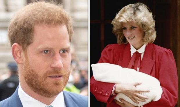 Ngay khi hạ sinh Hoàng tử Harry, Công nương Diana đã nhận ra cuộc hôn nhân toàn bi kịch của mình sẽ tan vỡ không sớm thì muộn? - Ảnh 1.