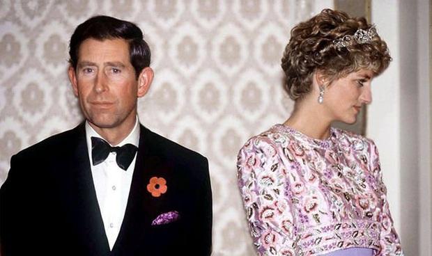 Ngay khi hạ sinh Hoàng tử Harry, Công nương Diana đã nhận ra cuộc hôn nhân toàn bi kịch của mình sẽ tan vỡ không sớm thì muộn? - Ảnh 2.