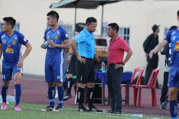 Phan Văn Đức cảm thán: Trọng tài như thế thì bóng đá Việt Nam lúc nào phát triển - Ảnh 9.
