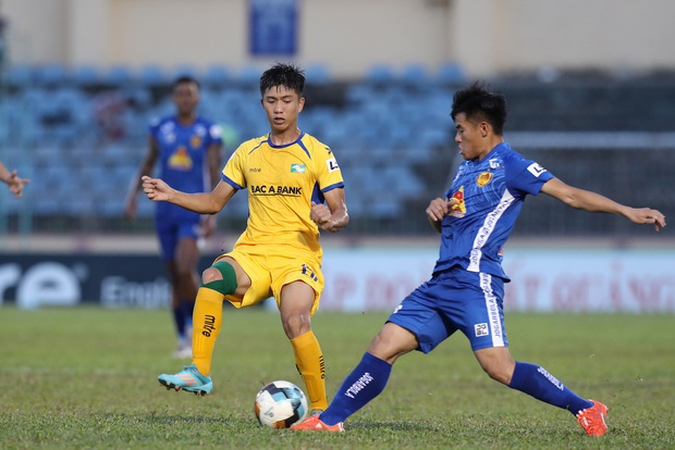 Phan Văn Đức cảm thán: Trọng tài như thế thì bóng đá Việt Nam lúc nào phát triển - Ảnh 7.