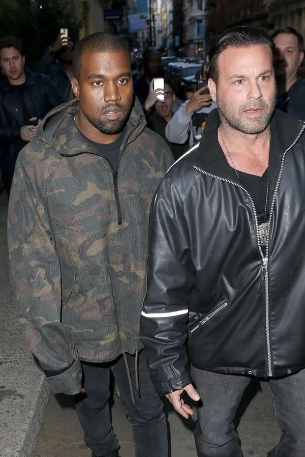 Rapper tranh cử Tổng thống Mỹ Kanye West: Con rể đế chế Kardashian, gây thù với Taylor Swift và cả showbiz - Ảnh 6.