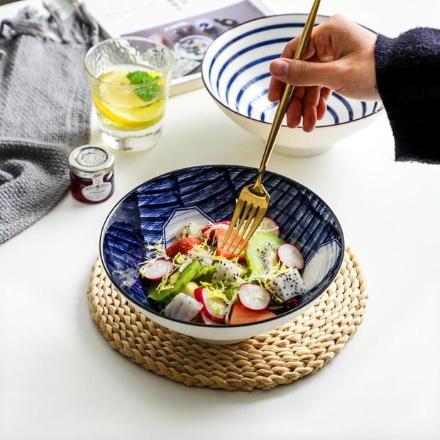 Gợi ý thực đơn salad 6 ngày cho các nàng lười, vừa ngon vừa chế biến cực nhanh chỉ trong 5 phút - Ảnh 1.