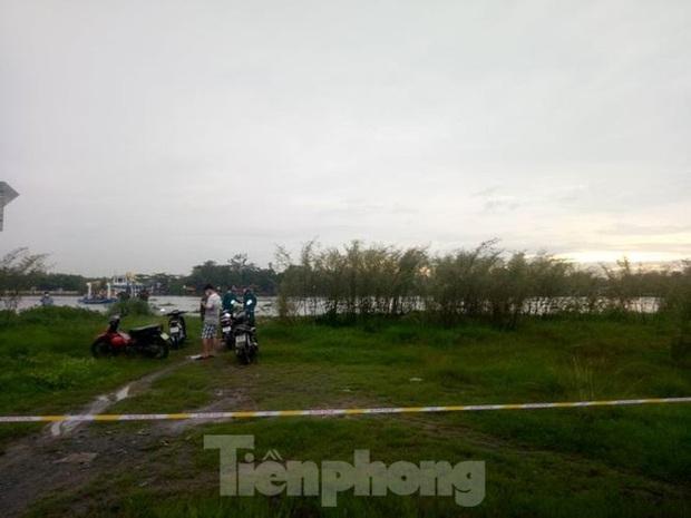 Phát hiện thi thể nam giới ở bến phà sông Sài Gòn - Ảnh 2.