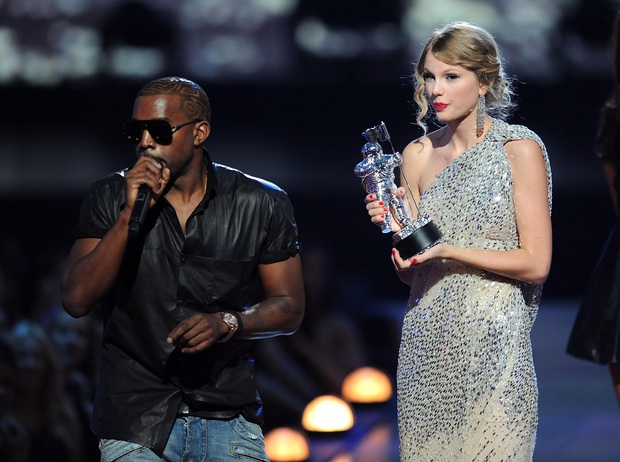 Rapper tranh cử Tổng thống Mỹ Kanye West: Con rể đế chế Kardashian, gây thù với Taylor Swift và cả showbiz - Ảnh 4.