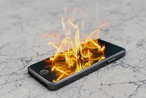 Sạc pin smartphone như thế nào là chuẩn? - Ảnh 3.