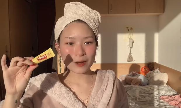 6 sản phẩm dưỡng môi căng hồng beauty blogger Việt khuyên dùng, hóng ngay nếu bạn muốn đánh son lì cỡ nào cũng đẹp - Ảnh 11.