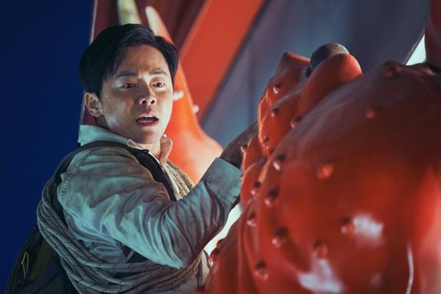 Phim của Dịch Dương Thiên Tỉ gom giải ở LHP Ý, nhưng chiến thắng của bom tấn EXIT xứ Hàn mới gây chú ý - Ảnh 6.